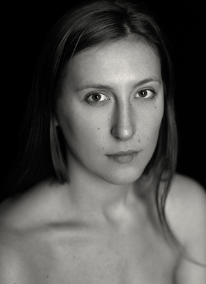 Davide-Cossu_Chloe-Portrait_Black-and-White_DAV0618